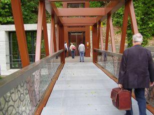 Le Limmatsteg et l'entrée vers le Promenadenlift. Source : Fussverkehr.ch