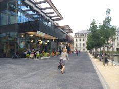 Espace commercial de la caserne de Bonne